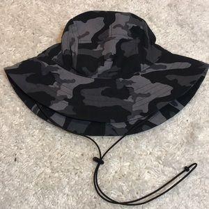 UNDER ARMOUR CAMO CRUSHER HAT OSFA BLACK GRAY LNC